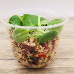 Pâtes risonis, quinoa blanc et rouge, boulgour, graines de courges, tomates, poivrons, cranberries, vinaigrette à l'huile de courge