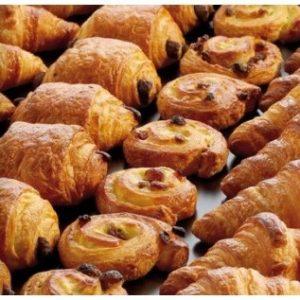 Croissants, pains aux raisins et pains au chocolat